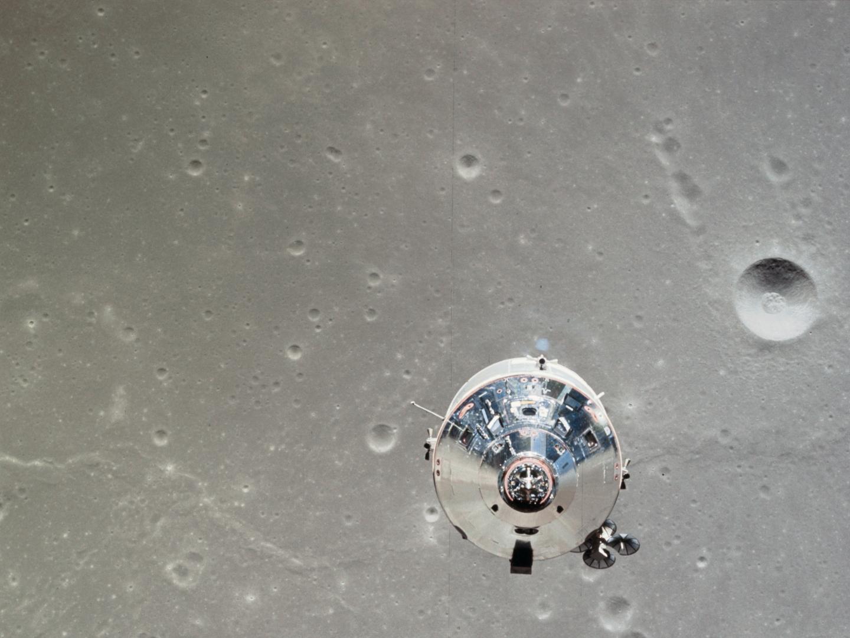 Apollo und Mond